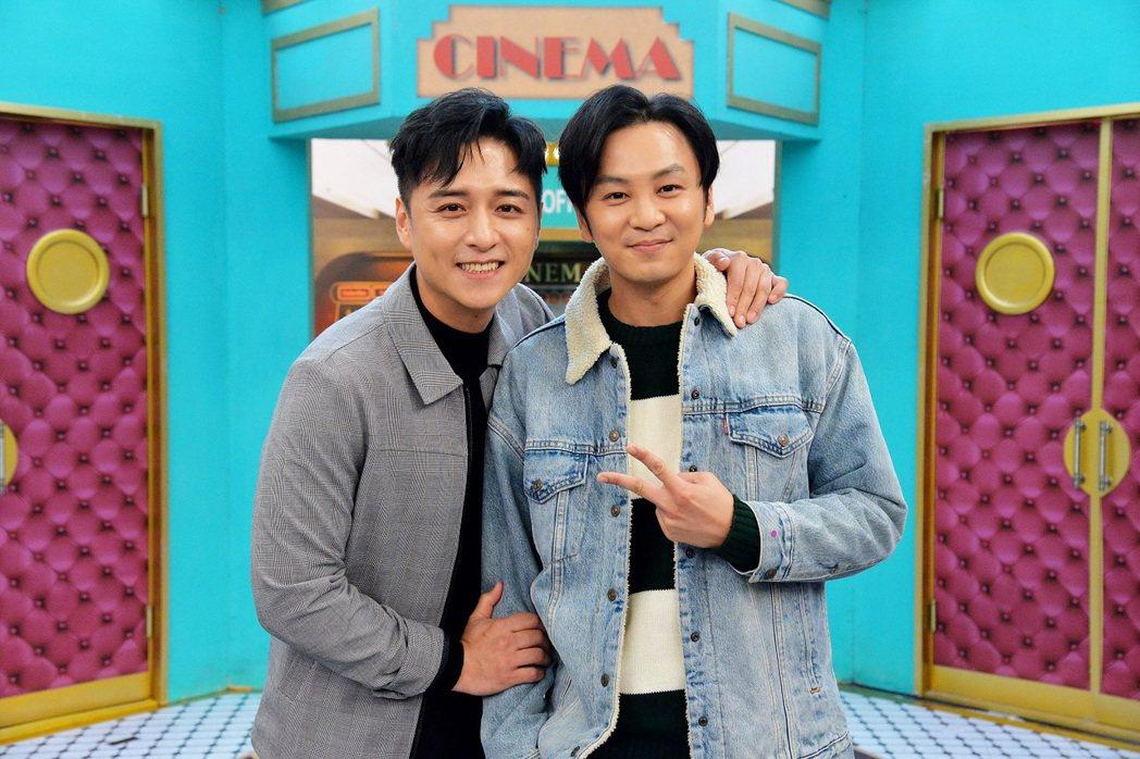 鄭人碩(左)、張書偉日前上衛視「請問你是哪裡人」。圖/衛視提供