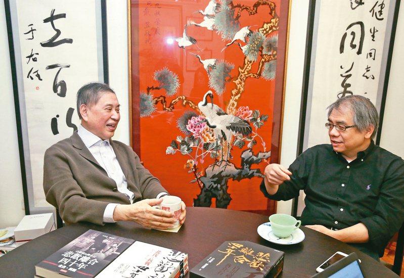 白先勇(左)、楊照對談。(圖/本報記者林俊良攝影)