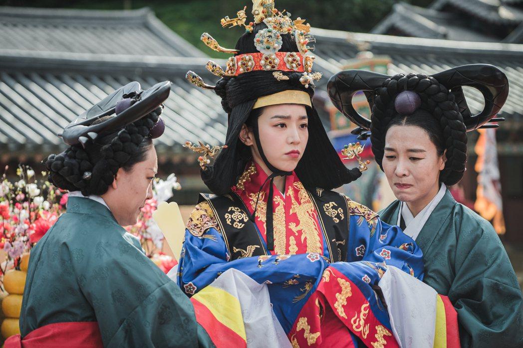「哲仁王后」主角穿越後由男變女。圖/friDay影音提供