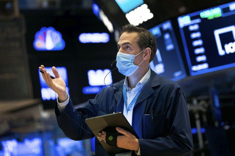 美股4日早盤開高,投資人期待新年新氣象。  美聯社