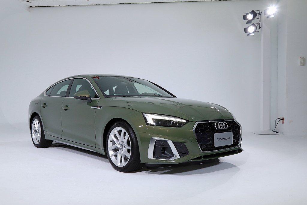 小改款Audi A5 Sportback於去年11月開始販售後,實車終於在今年1...