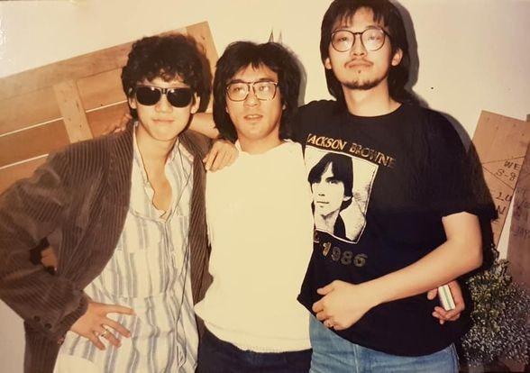 1986年張培仁(右一)和沈光遠(左一)、李宗盛拍攝於台北。圖/張培仁提供