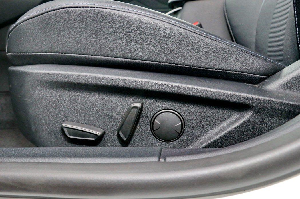 高階車型配備駕駛座電動座椅。 記者陳威任/攝影