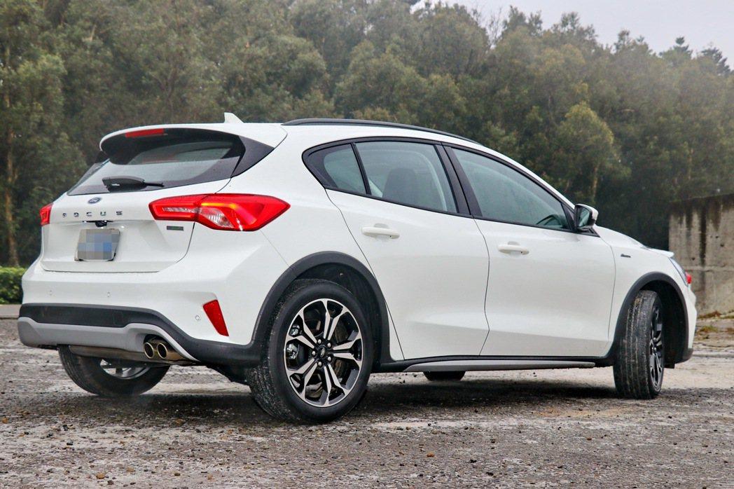 Ford Focus Active是今年福特六和推出的第一台車款。 記者陳威任/...