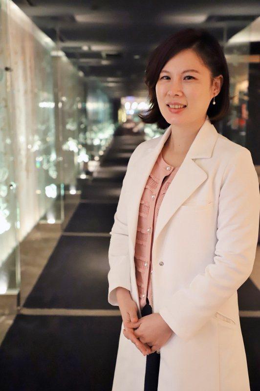 美女中醫師余雅雯將分享天地食材與時辰之力、導引房客實踐健康生活、散發自然容光。 ...