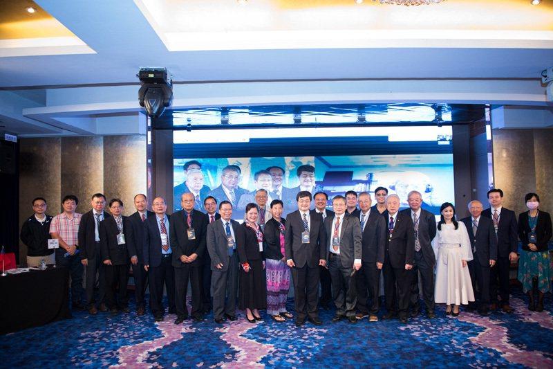 國際外科學會中華民國總會年會,歷年理事、會員與NGO產官學齊聚交流。