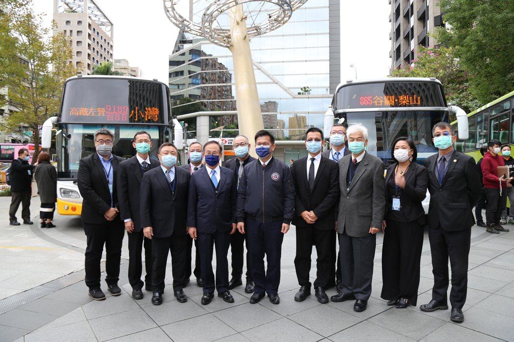 因應多元支付的發展,交通部公路總局規劃從今(5)日開始推動公車先導QR code...