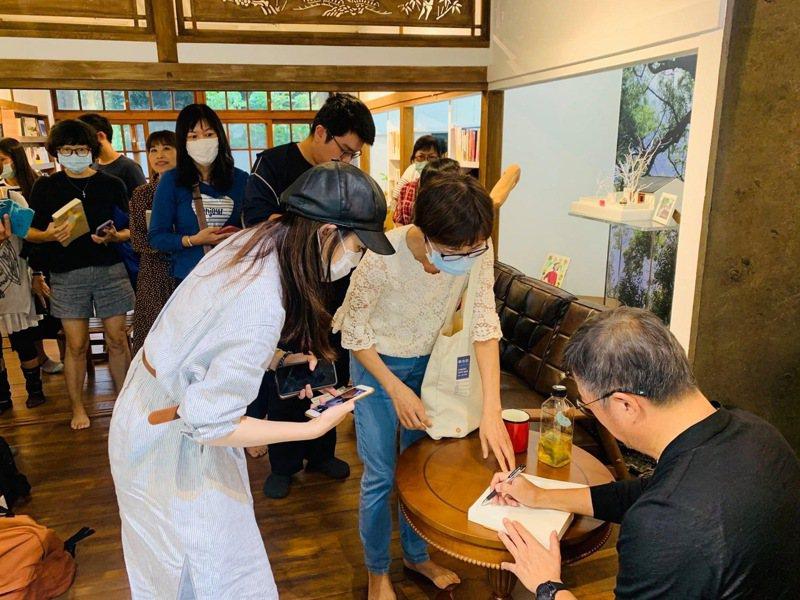 屏東縣內有12家獨立書店,5家落腳在屏東勝利星村,擁有全台密度高僅次於台北市的獨立書店群。圖/屏東縣政府提供