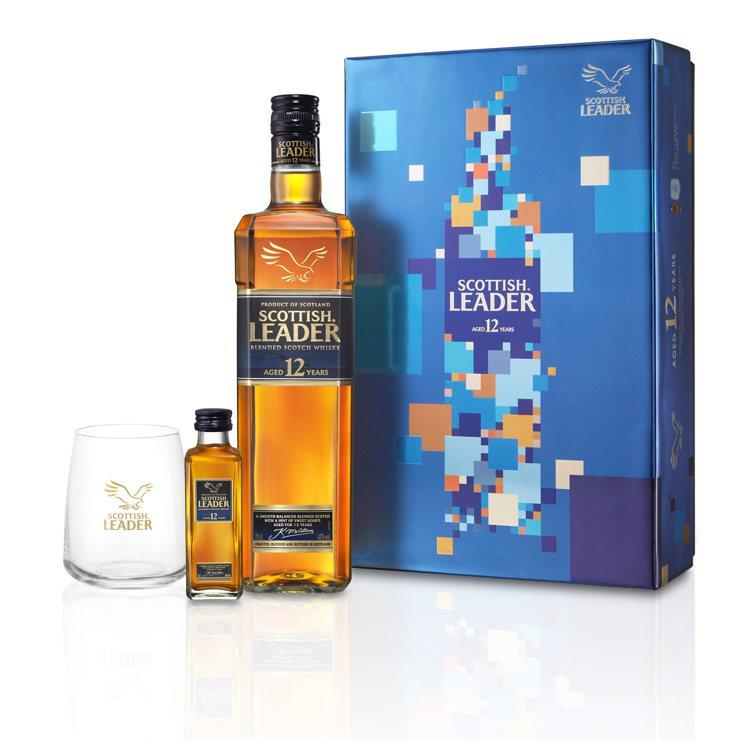 仕高利達12年蘇格蘭威士忌新年禮盒,建議售價790元。圖/英商帝仕德提供。提醒您...
