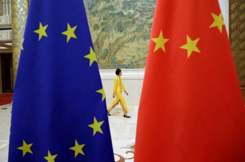 歐盟與中國大陸上月30日宣布達成「原則性協議」,敲定歐中投資協定,為外國投資人進一步打開中國市場大門。路透