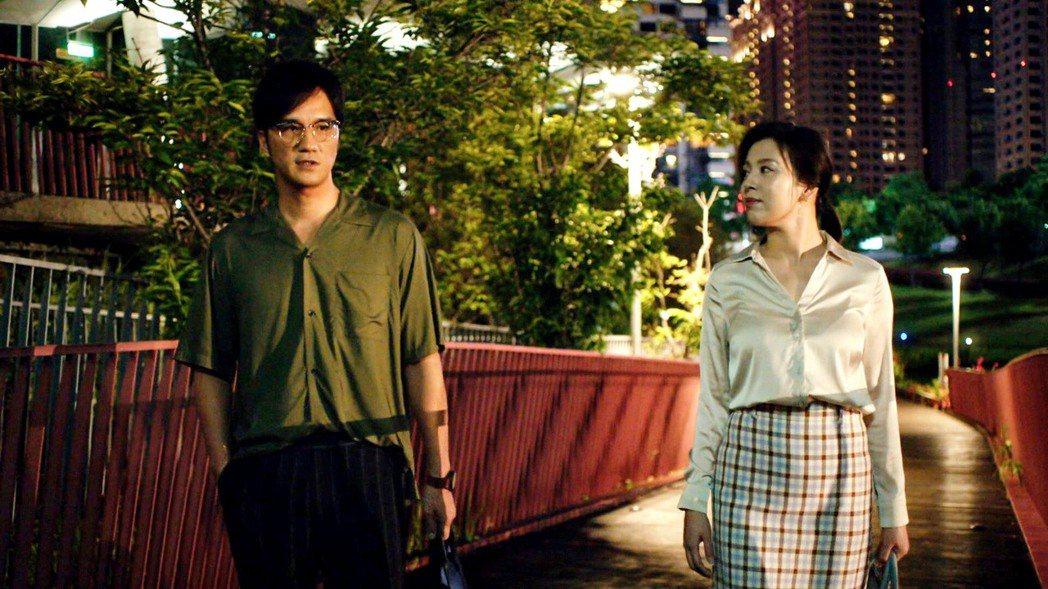 馬志翔(左)和劉品言在「未來媽媽」中有感情戲。圖/三立提供