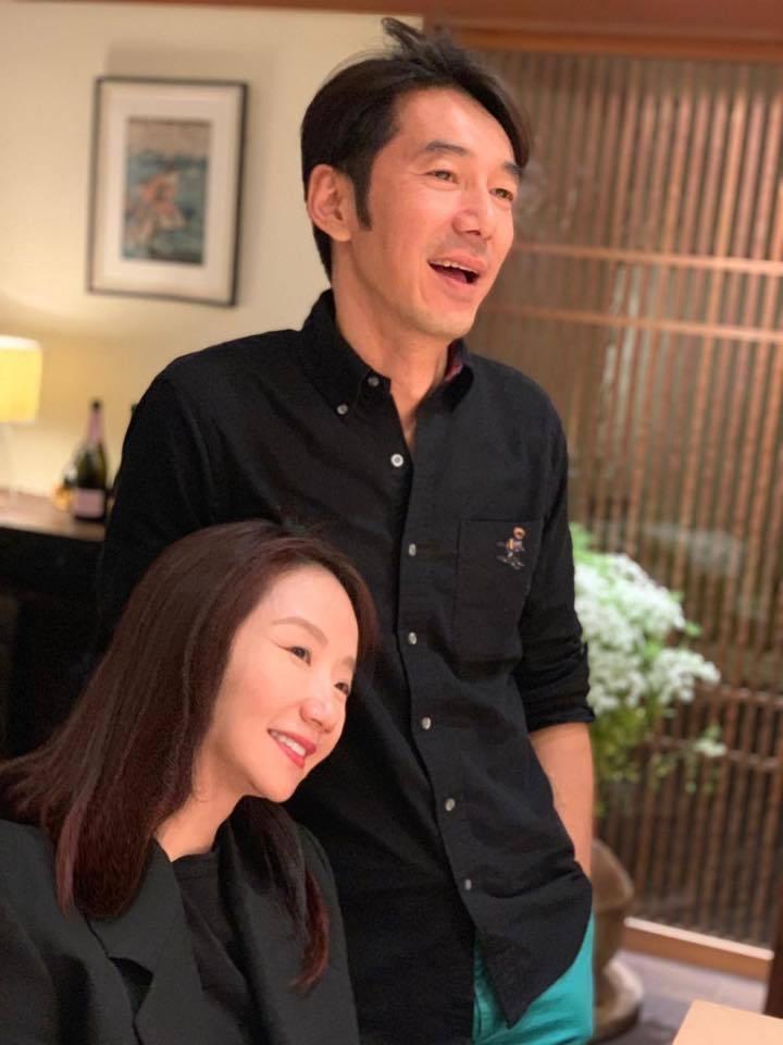 陶晶瑩(左)和李李仁對女兒荳荳用心栽培。圖/摘自臉書