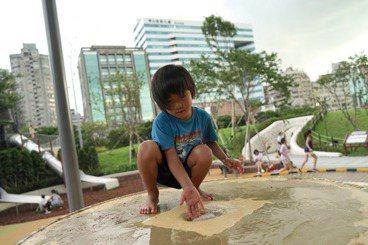讓孩子的天馬行空成真:「史上最讚遊戲場」華山大草原的兒童參與