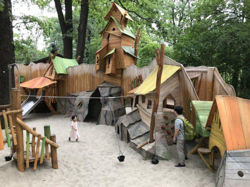 圖為柏林動物園兒童遊戲區。公特盟理事李玉華提供