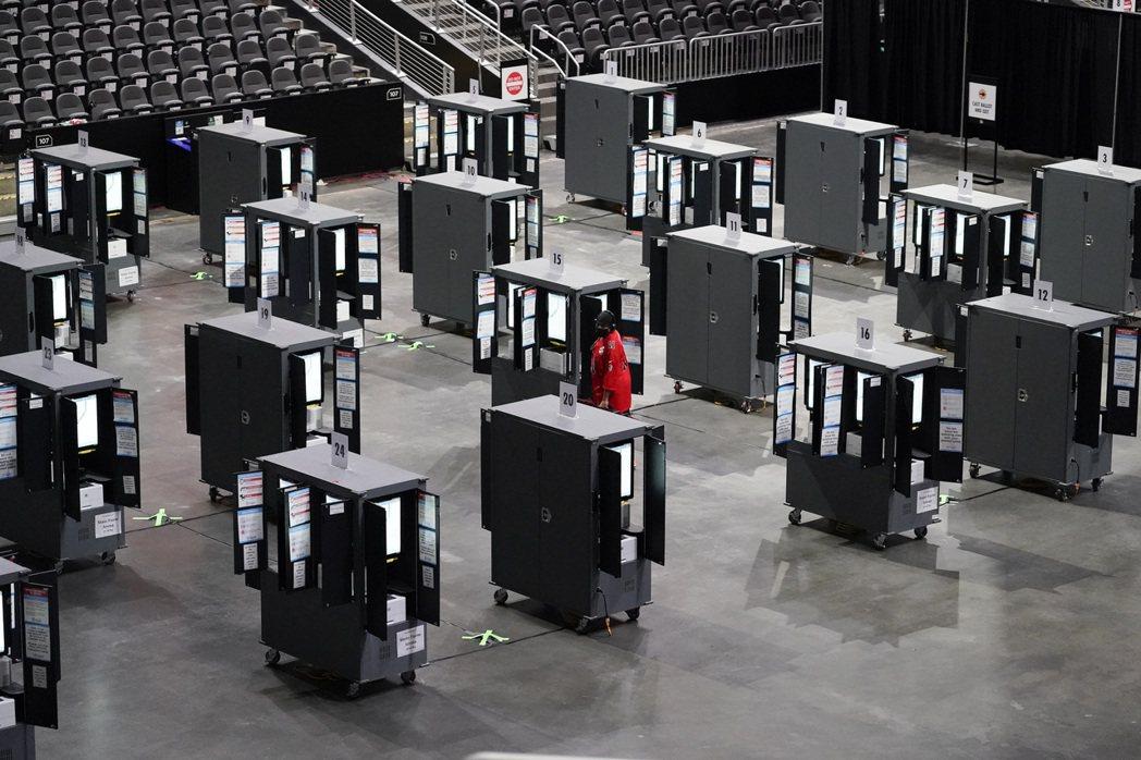 喬治亞州的電子投票機。 圖/美聯社