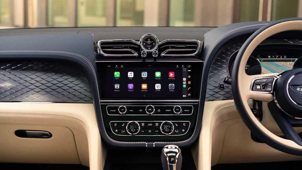 10.9吋高解析度中控螢幕,支援無線Apple CarPlay和Android ...
