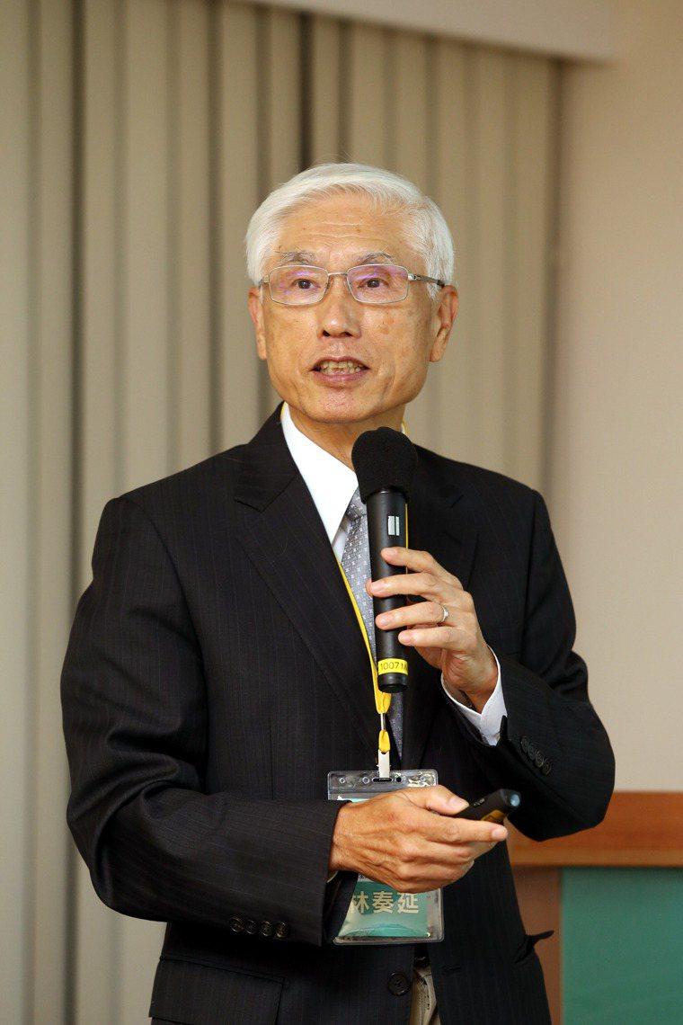 林奏延表示,台灣需要有自己的疫苗,希望三家疫苗都會成功,「三個疫苗最少有一家會成...