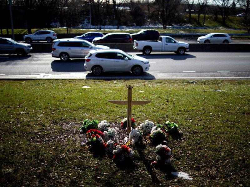 紐約市去年至少有二四三人死於交通事故,是市長白思豪在二○一四年推出改善道路安全的「零死亡願景」以來交通事故最致命的一年。紐約時報