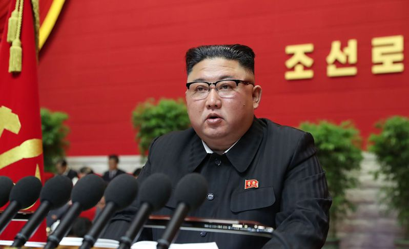 北韓勞動黨5日召開睽違五年的全國黨代表大會,由領導人金正恩親自主持,他在開場演說中坦承國家經濟發展「犯下錯誤」。法新社