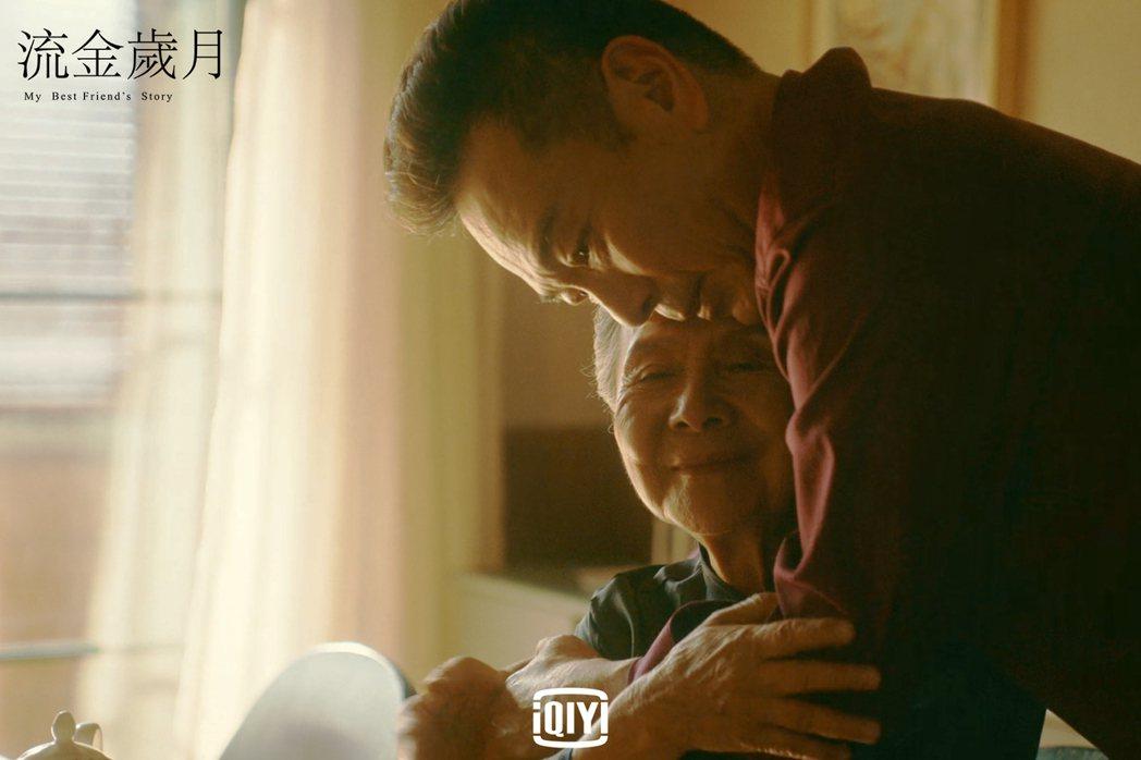 張晨光在劇中和吳彥姝情感動人。圖/愛奇藝國際站提供