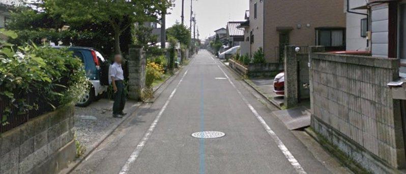 日本一位網友用GOOGLE街景搜尋老家,意外發現照片中拍下已經過世7年的父親。圖擷取自twitter