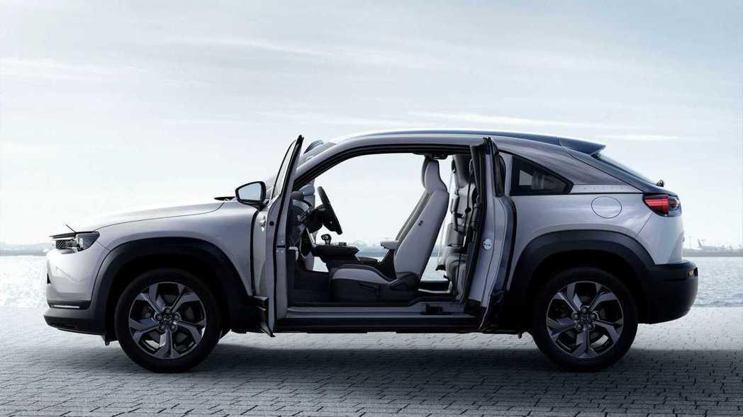 Mazda宣布,要將轉子增程版的MX-30倒入美國市場。 圖/Mazda提供