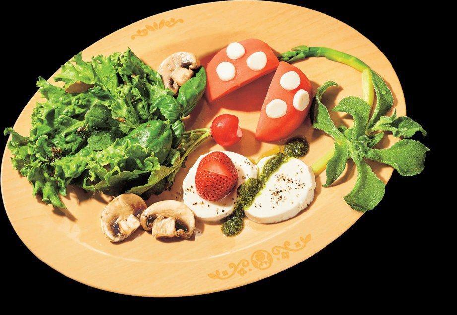 火球食人花造型的沙拉。