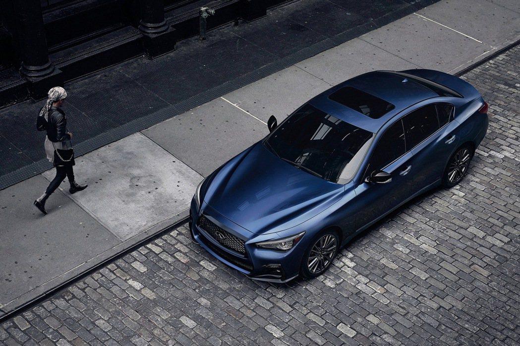 全新Q50 300GT,動力上搭載3.0升V6雙渦輪高效增壓引擎,挾帶300hp...