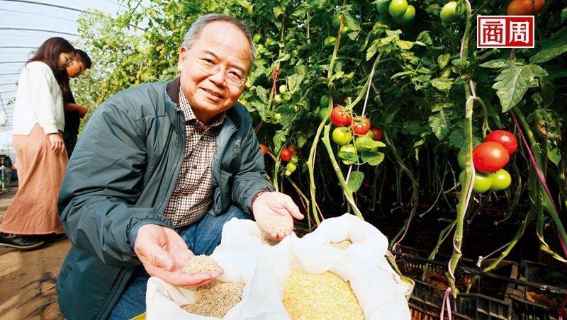 林台總經理賴宏南,憑著成千上萬的小種子成了國際市場的隱形冠軍。(攝影者.駱裕隆)