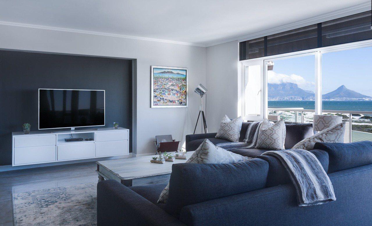 當我們需要添購新家具時,先考慮整體空間格局,再考慮到小細節,謹慎購買最重要。 圖...