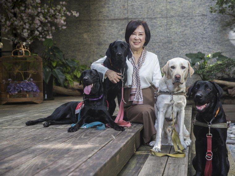 余湘出錢出力,是導盲犬守護天使。 圖檔來源/幸福熟齡,陳弘岱攝影