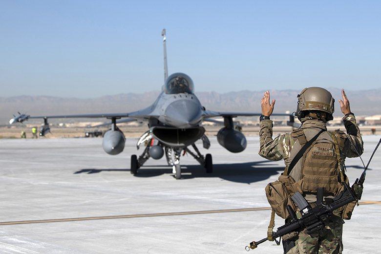 面對戰場空間大幅擴張,美軍發展出「全領域聯合作戰」概念。 圖/美國空軍