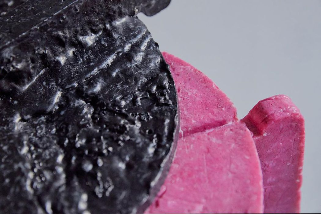 口罩被高溫熔解後,可以變成堅固的材質。圖/摘自Haneul Kim IG