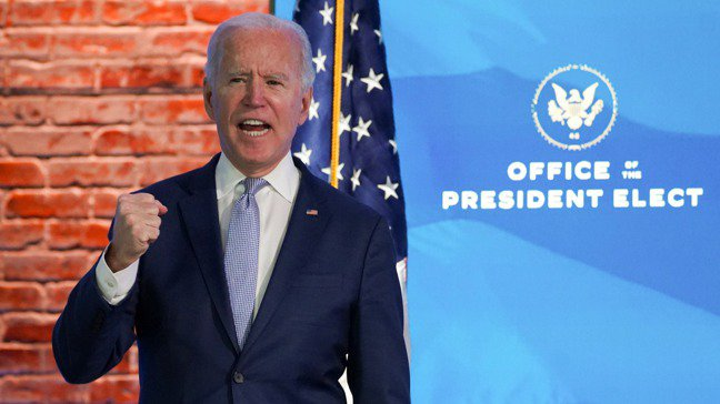 美國總統當選人拜登6日針對華府國會山莊前的抗議活動發表談話,譴責暴力。 路透