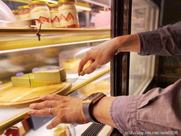 【艾樂比】的乳酪蛋糕著實有名,每日限量新鮮現做,堅持提供最新鮮的食材