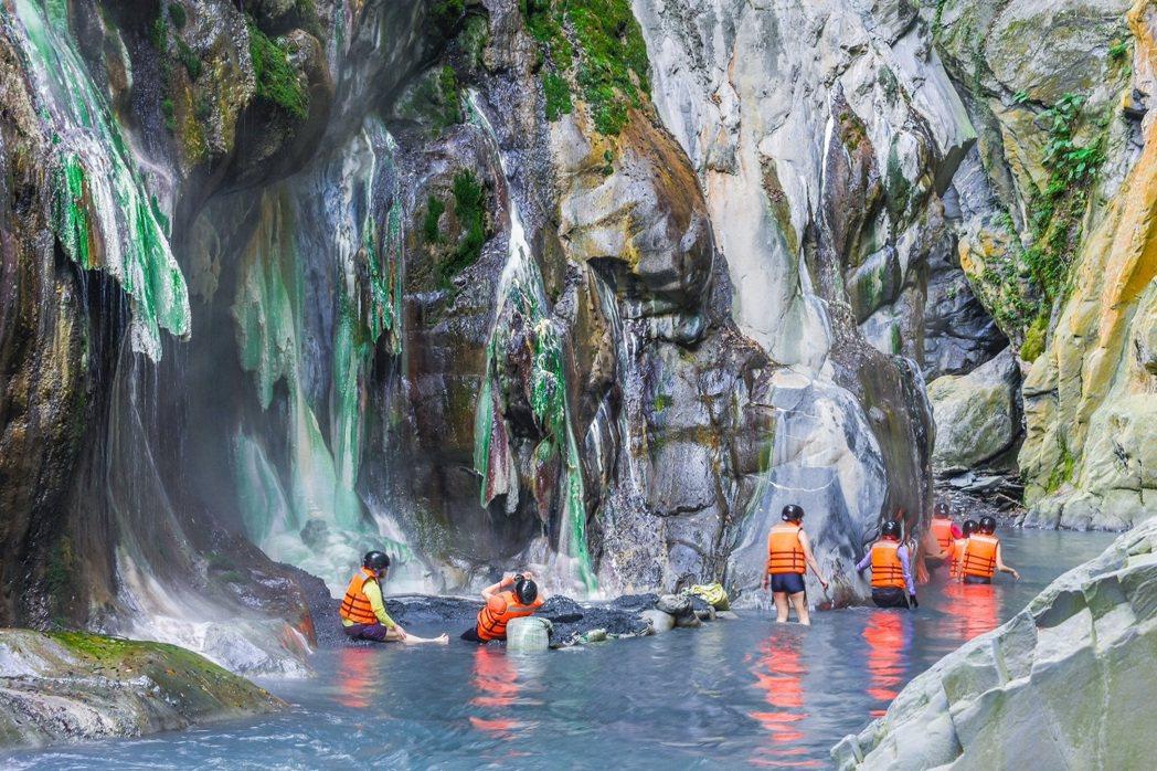 台東最美野溪秘境栗松溫泉。圖/可樂旅遊提