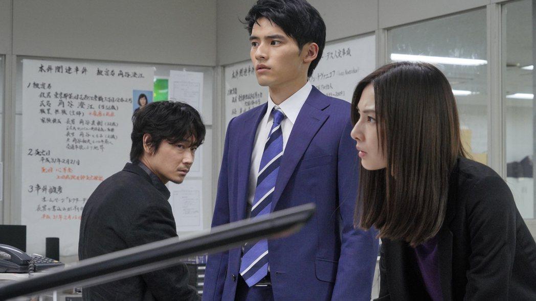 綾野剛、岡田健史、北川景子領銜主演《死亡醫生的遺產》。龍祥提供