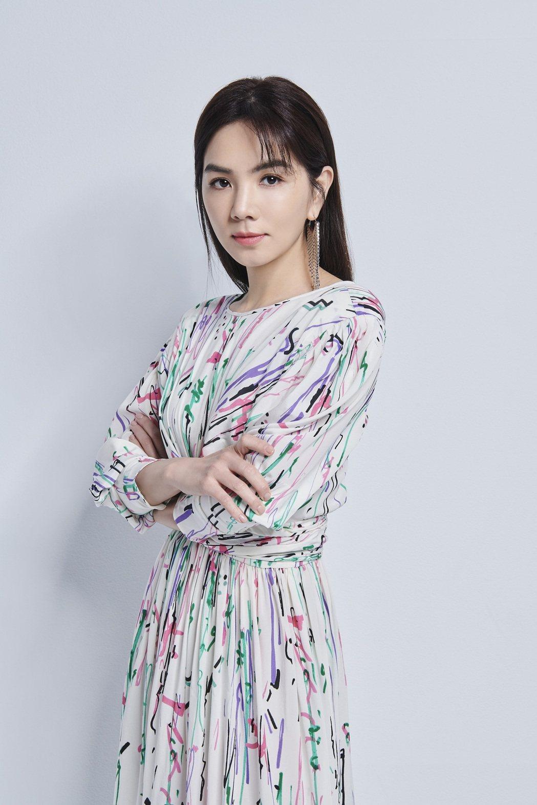 《2021超級巨星紅白藝能大賞》卡司-ELLA陳嘉樺(圖/台視提供)
