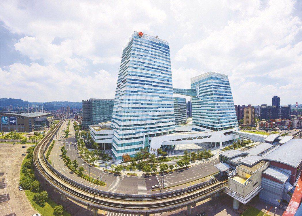 中國信託銀行發布2021年第一季投資展望,建議資產配置重心採50/50股債布局。...