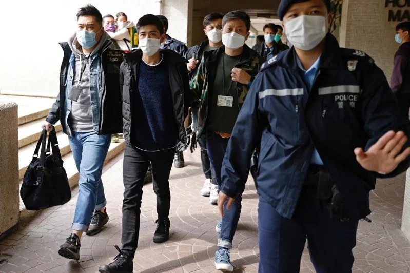 港警昨日發動大拘捕。圖/取自路透社