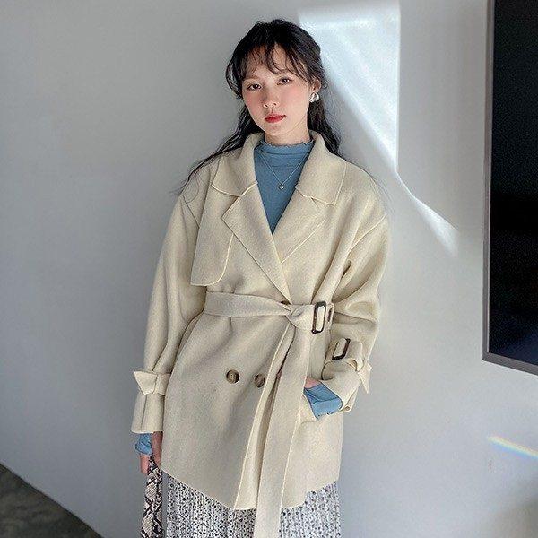 蝦皮購物即日起至1月11日推出「可甜可鹽少女系」活動,LULUS雙排釦毛呢外套活...