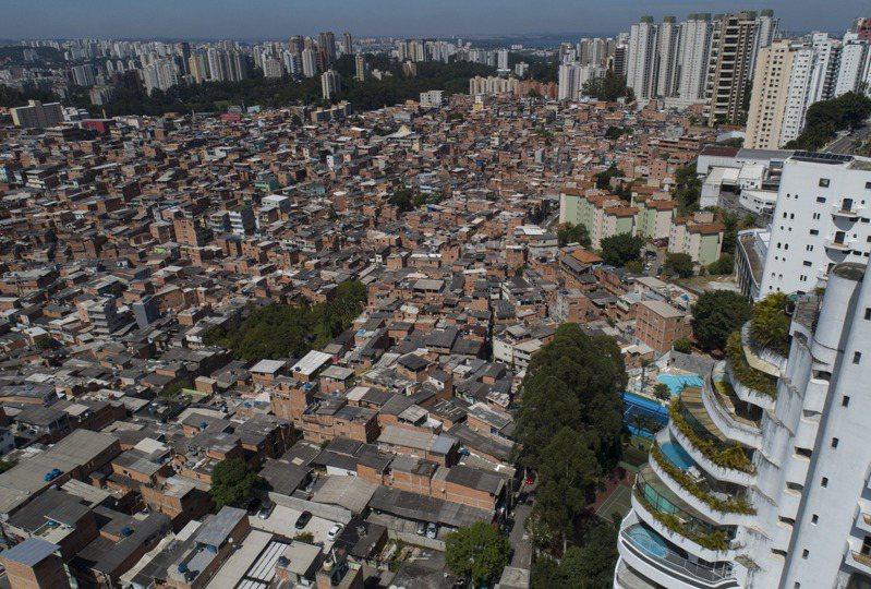 拉丁美洲貧富差異極大,各國紛紛課徵富人稅。(美聯社)