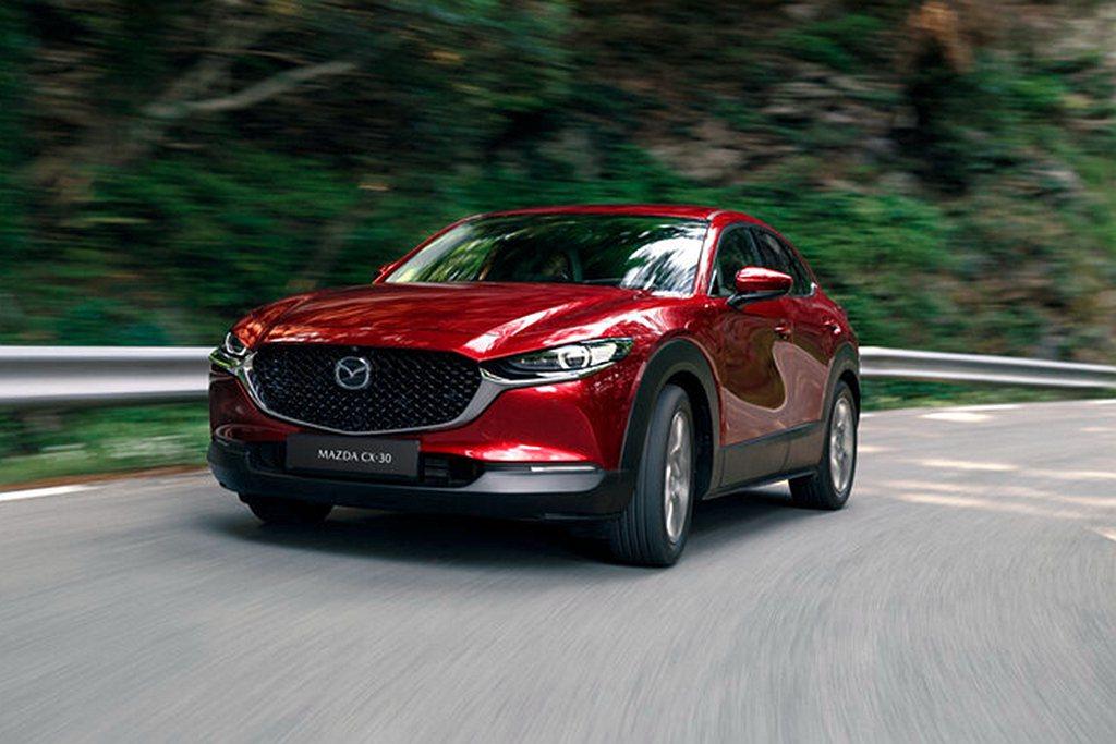 2021年式Mazda CX-30頂級型與旗艦型價格不變且將電動尾門列為標配。本...