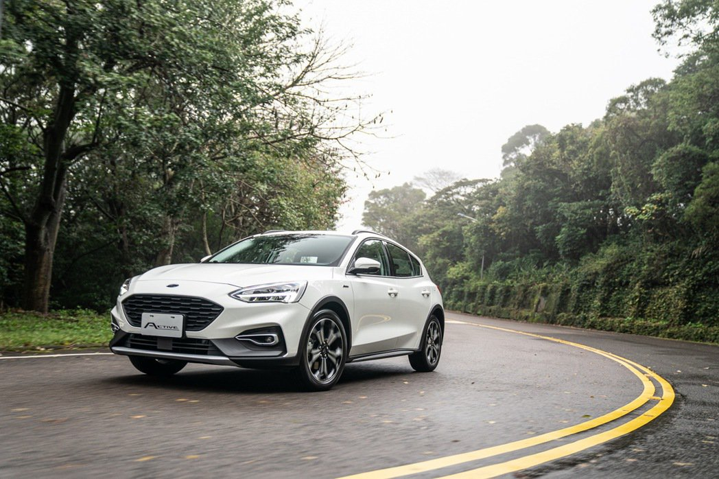 The All-New Ford Focus Active具備中型車尺碼之2,7...