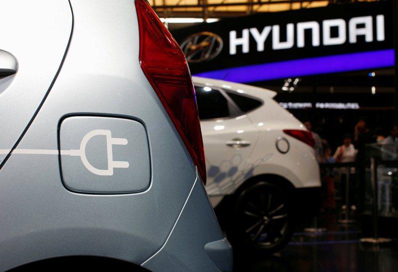 現代汽車產製電動車參加國際車展的檔案照片。  路透