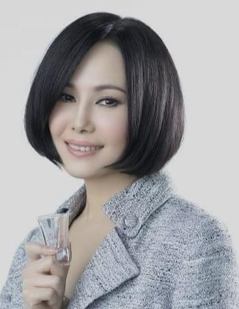 「二姐」江蕙封麥5年,為許富凱進錄音室開嗓獻聲。圖/摘自臉書