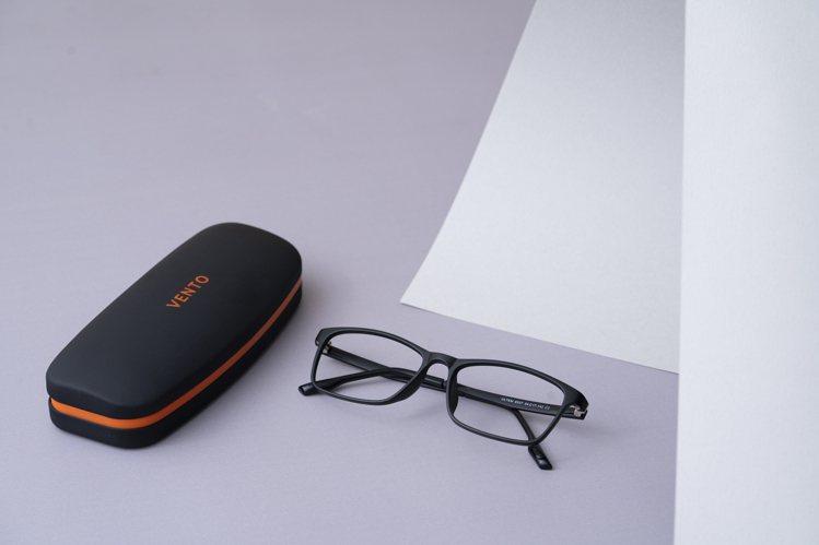 小林眼鏡VENTO輕量塑鋼系列眼鏡888元起。圖/小林眼鏡提供