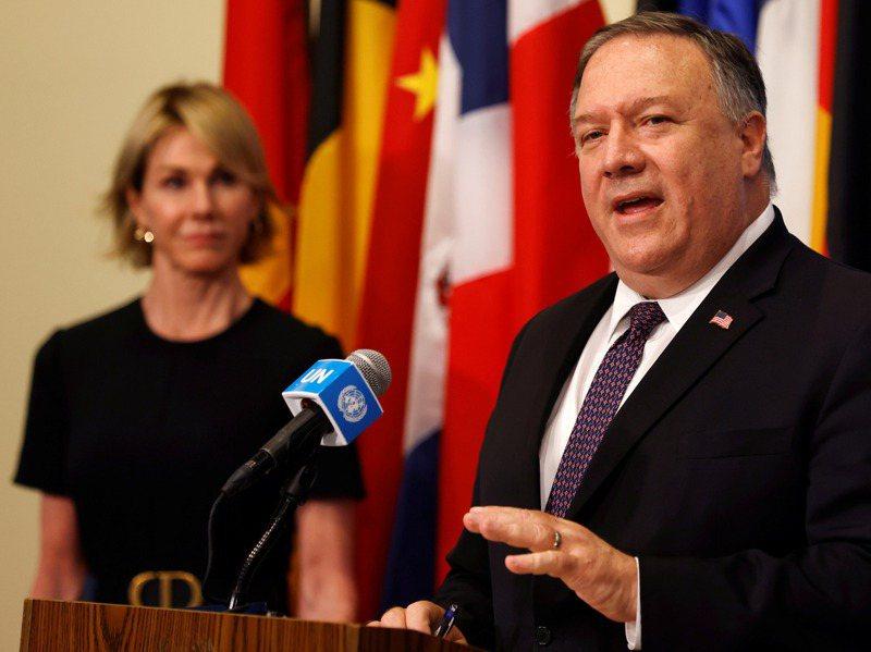 美國國務卿龐培歐昨(右)宣布,美國駐聯合國大使克拉夫特(左)將訪問台灣。路透