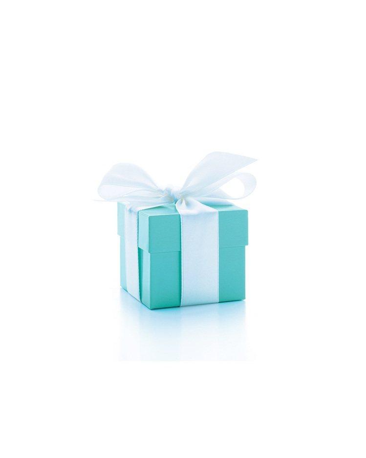 繫上白色緞帶的知更鳥藍色珠寶盒,成為Tiffany的經典印象。圖 / Tiffa...