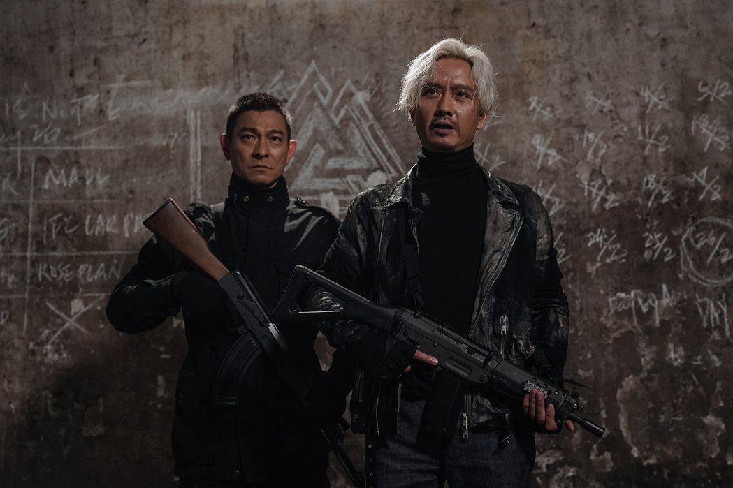劉德華新作「拆彈專家2」在台上映口碑出色,帶動票房上揚。圖/華映提供